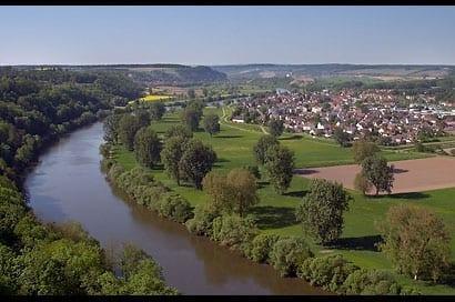 Landschaft bei Bad Wimpfen. Gigantischer Ausblick vom Turm in Ba