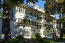 Die Villa im Kurpark Bad Mergentheim wurde vom Architekten Prof. Bonatz im Jahre 1922 erbaut. [EOS5D Mark4 | ISO100 | f5 | 1/200s | 24mm]