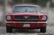 Der erste Ford Mustang rollte am 9. März 1964 vom Band.