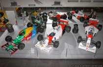 Die drei Formel 1 Rennwagen Benetton, Honda und Mc Laren wurden aus erhöhter Position im Technikmuseum Sinsheim fotografiert