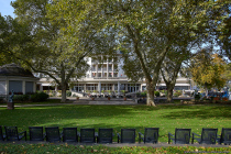 Das Parkhotel befindet sich direkt gegenüber dem Bäderhaus Bad Kreuznach.