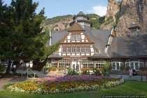 Das Kurhaus mit der wunderschönen Parkanlage liegt in Bad Münster am Stein im landschaftlich reizvollen Nahetal.