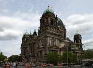 Der Berliner Dom steht unter Denkmalschutz und liegt auf dem nördlichen Teil der Spreeinsel.