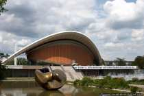 Die Kongresshalle wird gerne als Dreh- und Filmplatz für Science-Fiction-Filme benutzt, da die Kongresshalle ein futuristisches Aussehen hat