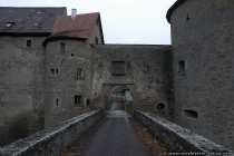 Blick in die Burgruine Neuhaus