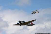 Junkers Ju52 und Buecker im Duettflug