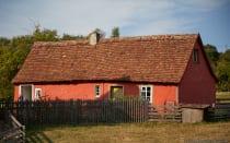 Im Jahre 1789 entstand in Walldürn das Tagelöhnerhaus. In diesen räumlich beengten und bescheidenen Gebäude lebten Menschen, die sich bei Bauern ihren Tagelohn verdienten. Teilweise lebten mehrere Familien mit Kindern in dem Haus und die Räume wurden multifunktionell genutzt. So wurde ein Raum als Wohn- und gleichzeitig als Schlafzimmer genutzt.