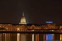 Christus Kirche und Hotel Mainzer Hof fotografiert von der Kasteller Rheinpromenade