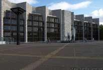 Das Mainzer Rathaus. Für eine Mainztour empfiehlt sich das Parkhaus Rathaus - Rheingoldhalle.