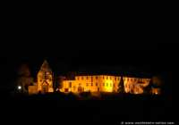 Das Franziskanerkloster Engelberg bei 63920 Großheubach. Die Klosteranlage, welche im Jahre 1631 errichtet wurde, liegt auf dem Engelberg, dem südlichsten Ausläufer des Spessarts. Das Franziskanerkloster beherbergt einen Klosterladen und eine Klosterschänke, in der selbstgebrautes Bier (mit und ohne Alkohol), selbstgebackenes Brot und einiges mehr angeboten wird.