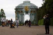 Der Schloßpark Sanssouci ist gut besucht und es gibt genügend ruhig gelegende Plätze an dem man entspannen kann.