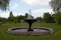 Einer von vielen Brunnen im Schlosspark Sanssouci