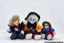 Wir machen uns nicht zu Clowns, wir sind Clowns. Die drei Clowns wurden im Lichtzelt fotografiert.