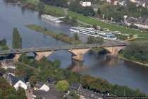 Blick auf die Kaiser-Wilhelm-Brücke und auf die Schiffsanlegestelle