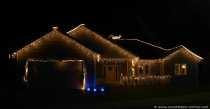 Ein wunderbar mit Kettenlichter geschmücktes Haus in dem Wallfahrtsort Walldürn.