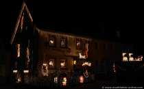 Weihnachten im Odenwald bedeutet bunt und leuchtend schmücken. In den kleinen Ortschaften und Dörfern, wo man es am wenigsten vermutet, erleuchten die Häuser regelrecht zur Weihnachtszeit.