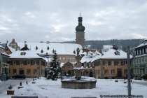 Marktplatz in Weikersheim versinkt im Schnee