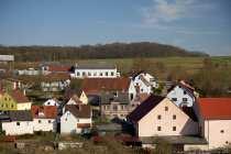 Rathaus (Bildmitte) Harthausen, Gemeinde Igersheim