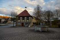Nassauer Rathaus mit Brunnen
