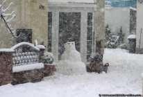 Schneemänner bauen ist für Klein und Groß ein Muß, wenn genügend Schnee fällt.