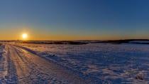 Die Sonne konnte der Winterlandschaft nichts anhaben. Die Finger waren binnen Minuten ohne Schutz fast tiefgefroren. [EOS5D Mark4 | ISO100 | f8,0 | 1/250s | 21mm]