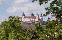Festung Marienberg ist eine Höhenburg oberhalb von der Stadt Würzburg