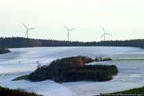 Aufgenommen am 26.11.2005. Der Schnee konnte sich nur auf Feld und Wiese breit machen.