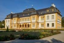 Adresse: 97209 Veitshöchheim, Echterstraße 10. Das Bild wurde fotografiert mit einer Canon EOS 5D Mark IV beit 38mm Brennweite sowie ISO200, Blende f8,0 und einer Belichtungszeit von 1/640 Sekunde.