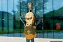 Zur 14.ten Skulpturen-Schau in Weikersheim sind im öffentlichen Raum in Weikersheim verschiedene Bronze-Plastiken von dem Bildhauer und Künstler Marco Flierl zu sehen.
