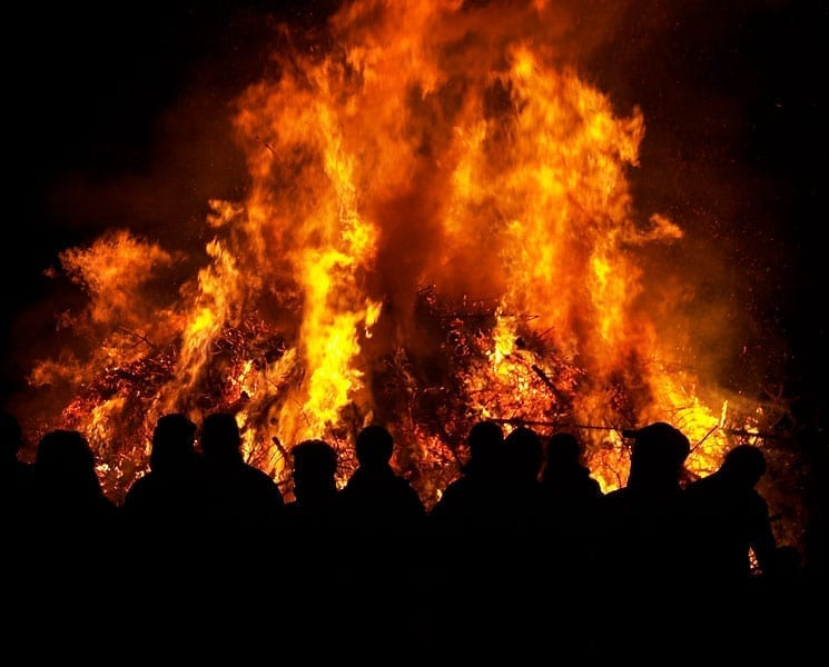 Christbaum verbrennen