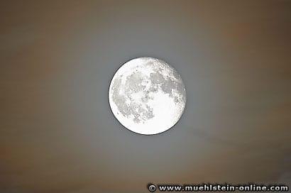 Luna, der Mond, Vollmond.