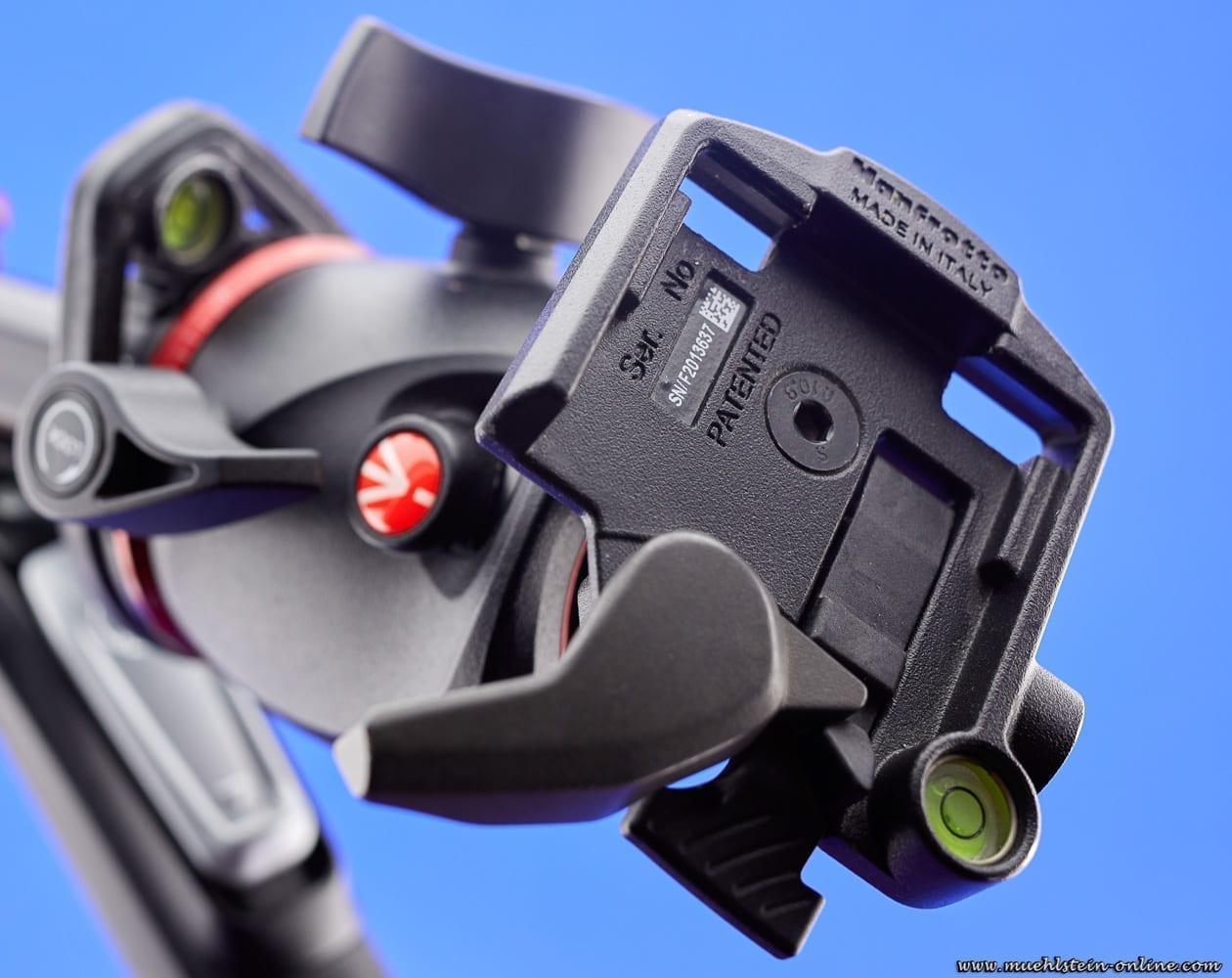 Manfrotto Kugelkopf mit Aufnahme für die Schnellwechselplatte.
