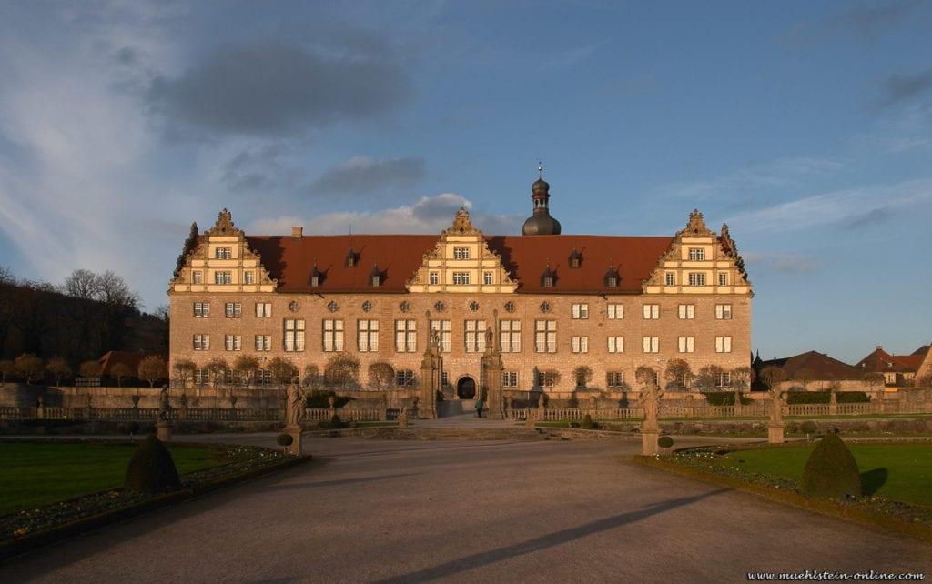 Schloss Weikersheim mit Schlossgarten ist eine ehemalige Wasserburg aus dem zwölften Jahrhundert.