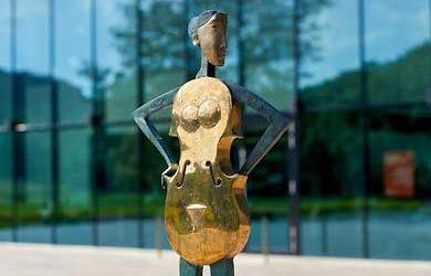 Kunst- und Skulpturen-Schau in Weikersheim